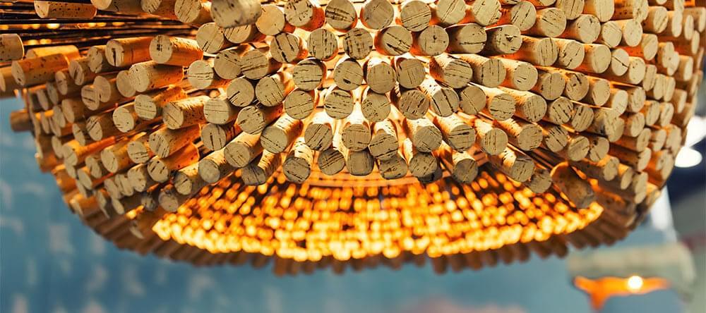 Elegant och modern: en lampskärm gjord av vinkorkar