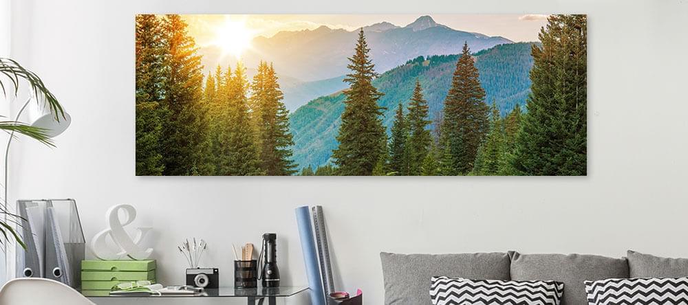 Inred ditt hemmakontor i olika nyanser av grönt och blått för ökad kreativitet och avkoppling.