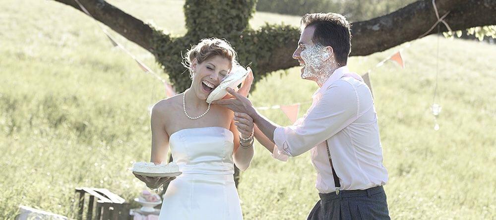 Mooie knoeiboel – taartenslag voor nieuwbakken echtgenoten