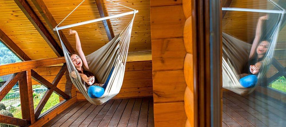 Ontspannen hangen –laat je ziel in de hangstoel bengelen