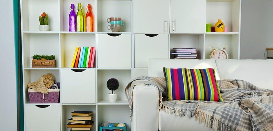 Hetzelfde patroon, een ander voorwerp – kleurrijke lijnen in de kamer