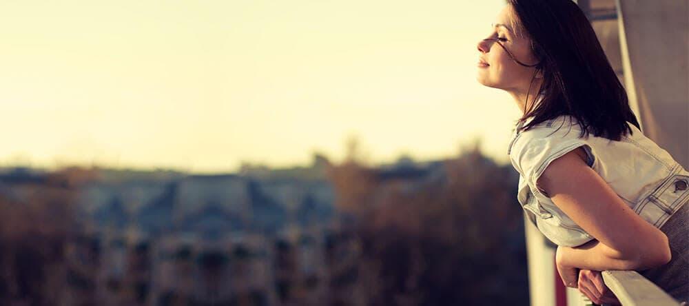 Auf einen sauberen und schönen Balkon geht man doch gleich viel lieber