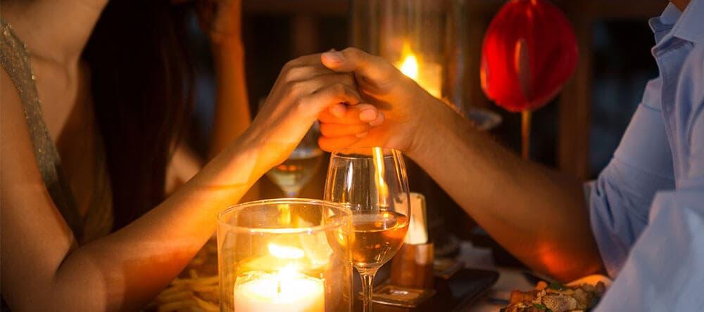 Mit der richtigen Beleuchtung wird der Abend auf dem Balkon zum kleinen Urlaub