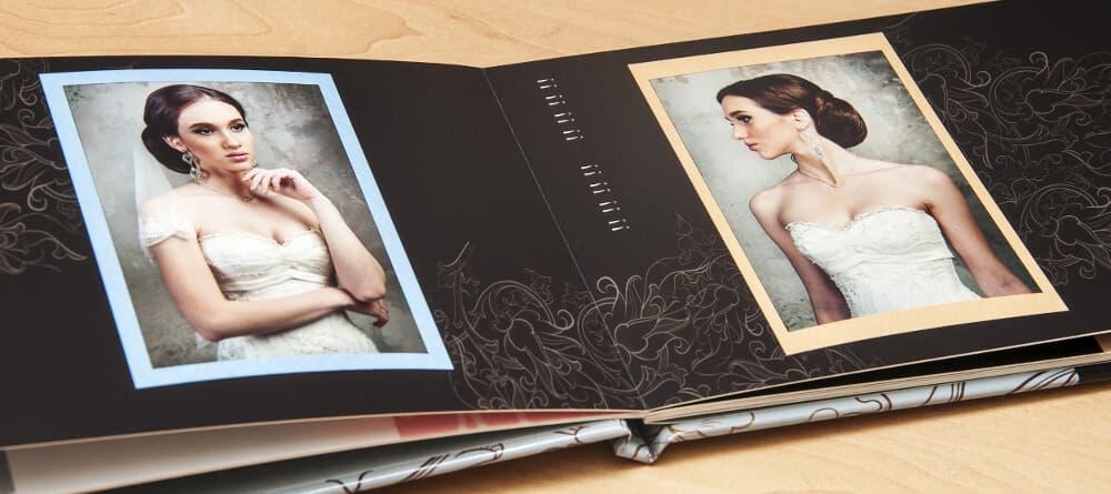 So klassisch wie das alte Fotobuch am Anfang, und doch moderner und schöner gestaltet