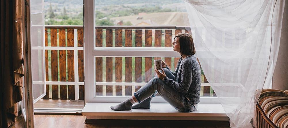Holzboden auf dem Balkon ist schön, braucht aber mehr Pflege