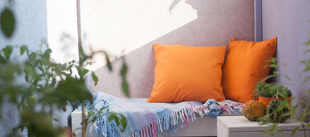 Kleiner Balkon? Improvisiere bei den Möbeln und schaffe eine individuelle Atmosphäre