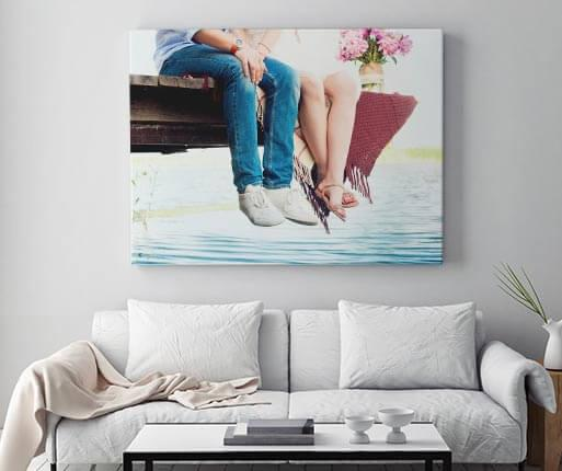foto en lienzo en la habitacion
